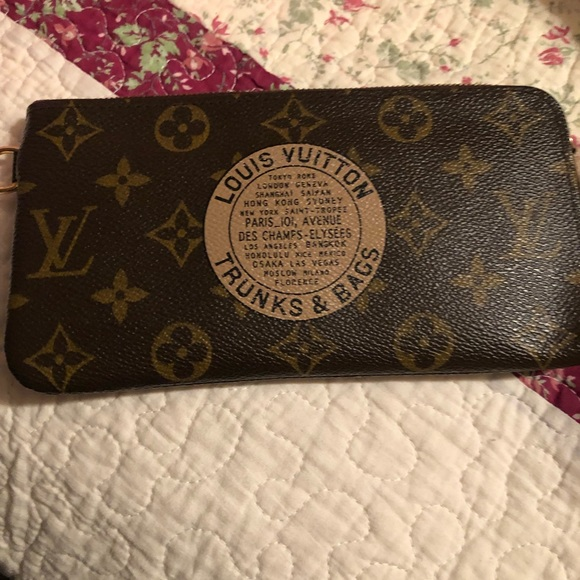 35153ada489 Louis Vuitton limited edition trunks & bags wallet